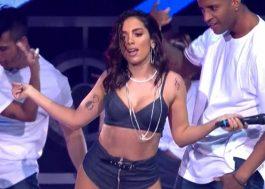 Anitta canta, rebola e faz medley poderosíssimo no Prêmio Multishow