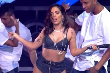 Anitta arrasa no Prêmio Multishow