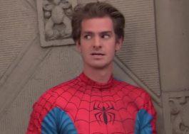 Andrew Garfield volta a ser o Homem-Aranha em programa de TV