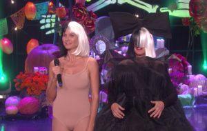 "Heidi Klum e Ellen DeGeneres recriam ""Chandelier"" da Sia em especial de Halloween"