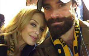Kylie Minogue não vai se casar na Austrália até que país legalize casamento gay