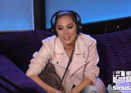 Lady Gaga faz cover arrasador de Led Zeppelin e dá alfinetada em locutor de rádio