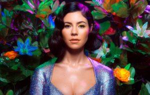 Marina, ex-The Diamonds, confirma nova música para janeiro e conta que adoraria fazer parceria com Lana Del Rey!