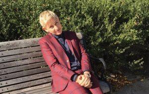 Ellen DeGeneres esquece identidade e é barrada de homenagem na Casa Branca