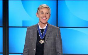 Após ser barrada da Casa Branca, post no Twitter fez com que Ellen DeGeneres entrasse para homenagem