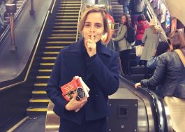 """No Dia da Mulher, Emma Watson """"esconde"""" livros feministas pelo mundo"""