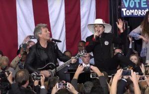 Lady Gaga e Bon Jovi fazem dueto em evento de Hillary Clinton