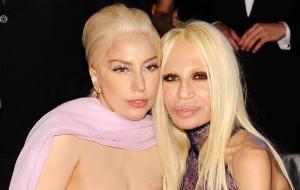 """Revista tá dizendo que a Lady Gaga vai ser a Donatella em """"American Crime Story"""""""