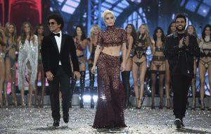 Lady Gaga, muita beleza e glamour: O que rolou na gravação do Victoria's Secret Fashion Show 2016
