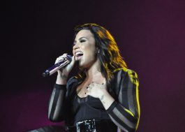 Demi Lovato se emociona ao falar do Grammy e agradece apoio dos fãs brasileiros no Z Festival