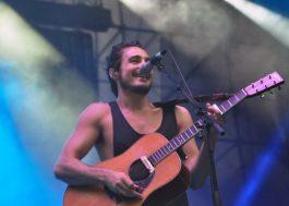 Tiago Iorc faz show lindo e encanta o público no Z Festival