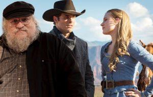 """Nada de GoT! George R.R. Martin acha que """"Westworld"""" ganha a disputa do Globo de Ouro!"""