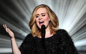 """Adele cancela dois últimos shows da turnê por problemas nas cordas vocais: """"Sinto muito, me perdoem"""""""
