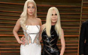 """""""American Crime Story"""": Lady Gaga não será Donatella Versace na terceira temporada"""