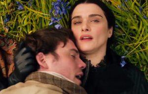 "Sam Claflin desejando a prima Rachel Weisz no drama ""My Cousin Rachel"""