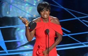ELA GANHOU! Viola Davis vence o Oscar de melhor atriz coadjuvante!