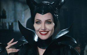 """Angelina Jolie voltará a atuar e """"Malévola 2"""" está nos planos!"""