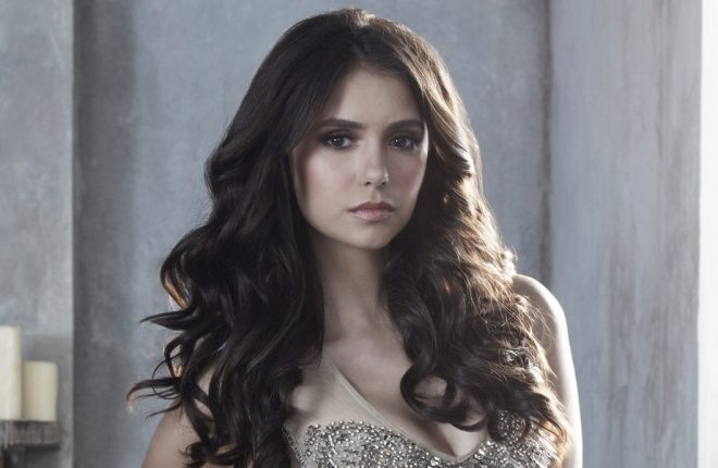 """6cdccc924 Nina Dobrev escreve texto de despedida aos fãs e equipe de """"The Vampire  Diaries"""""""