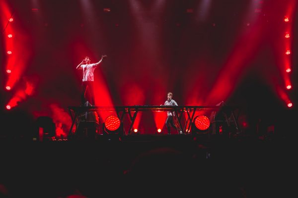 The_Chainsmokers _MD-8
