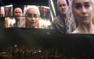 """Fomos ao """"Game of Thrones Live Concert"""", espetáculo da série com orquestra! Vem ver os vídeos…"""