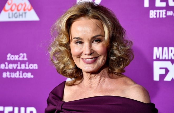"""HOLLYWOOD, CA - MARCH 01:  Actress Jessica Lange arrives at the Premiere of FX Network's """"Feud: Bette And Joan"""" at Grauman's Chinese Theatre on March 1, 2017 in Hollywood, California.  (Photo by Frazer Harrison/Getty Images)"""