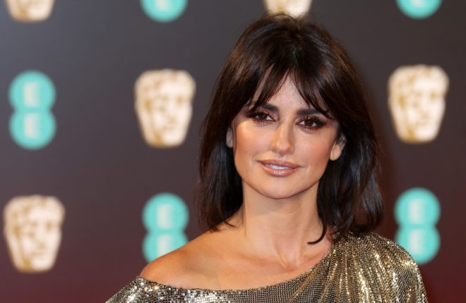 LONDON, ENGLAND - FEBRUARY 12:  Actress Penelope Cruz attends the 70th EE British Academy Film Awards (BAFTA) at Royal Albert Hall on February 12, 2017 in London, England.  (Photo by Chris Jackson/Getty Images)