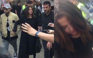 Selena Gomez chega ao Brasil coladinha com o The Weeknd no aeroporto!