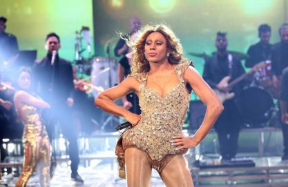Ator faz a Beyoncé no Faustão