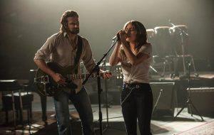 """A pegação tá forte entre Gaga e Bradley Cooper nas filmagens de """"Nasce Uma Estrela"""""""