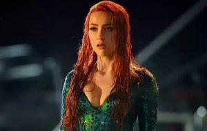 """Amber Heard está igualzinha a Mera dos HQs nas gravações de """"Aquaman"""""""