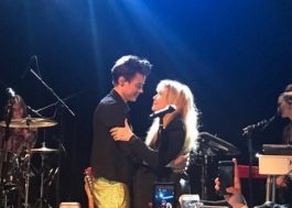 "Emocionado, Harry Styles canta ""Landslide"" e ""Two Ghosts"" com Stevie Nicks!"