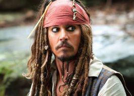 """Johnny Depp rejeitou versão de """"Piratas do Caribe 5"""" que tinha uma mulher como vilã"""