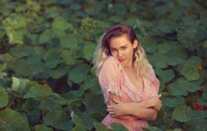 """Miley Cyrus está de volta! """"Malibu"""", nova música, já sai na semana que vem!"""