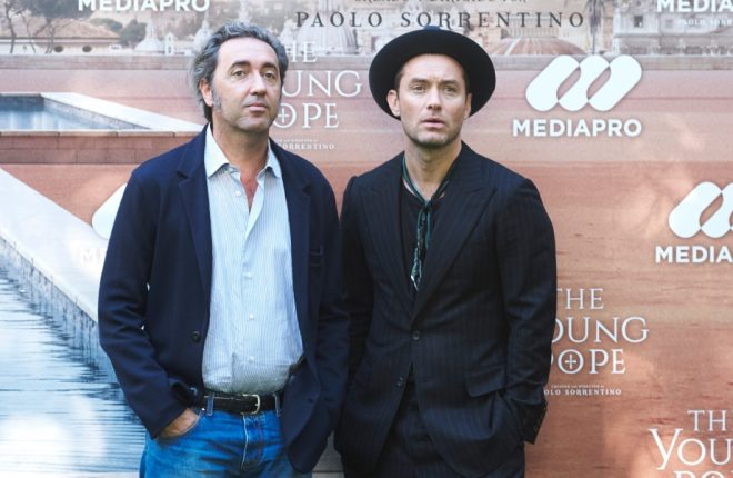 MADRID, SPAIN - OCTOBER 11:  Actor Jude Law (R) and director Paolo Sorrentino (L) attend 'The Young Pope' photocall at the Italian Embassy on October 11, 2016 in Madrid, Spain.  (Photo by Carlos Alvarez/Getty Images)