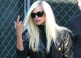 """Penélope Cruz aparece como Donatella Versace nas fotos do set de """"American Crime Story"""""""