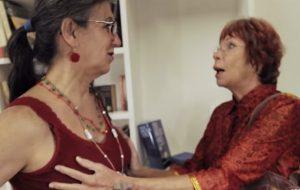 """""""Não põe peito, dá um trabalhão"""", diz Rita Lee à Laerte no filme """"Laerte-se"""" da Netflix"""
