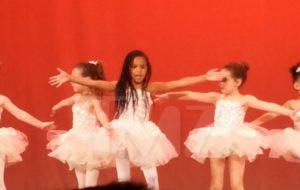 Blue Ivy já rouba a cena em apresentação de balé