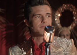 "Brandon Flowers despenca de uma egotrip em ""The Man"", novo clipe de The Killers"