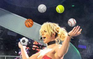 O show da Britney Spears ficou ainda melhor com emojis