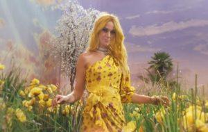 """Katy Perry, Pharrell, Big Sean e Calvin Harris se reúnem no clipe verão de """"Feels"""""""