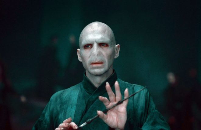 HARRY POTTER AND THE DEATHLY HALLOWS: PART 2, Ralph Fiennes, 2011. ©2011 Warner Bros. Ent. Harry Potter publishing rights ©J.K.R. Harry Potter characters, names and related indicia are trademarks of and ©Warner Bros. Ent. All rights reserved./Courtesy Everett Collection