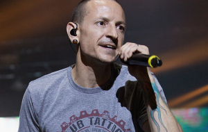 Chester Bennington, vocalista do Linkin Park, comete suicídio, diz TMZ