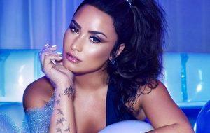 "Demi Lovato promete seguir quem comprar ""Sorry Not Sorry"""
