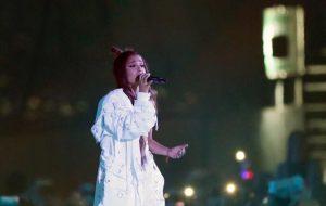 """Ariana Grande volta a São Paulo linda e perigosa com a """"Dangerous Woman Tour"""""""