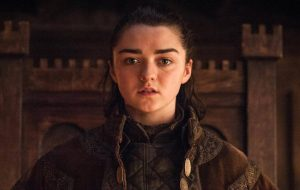 "Maisie Williams sobre aquela cena da estreia de ""Game of Thrones"": ""Até Arya está surpresa"""