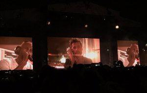 Spike Jonze tá gravando um projeto secreto com Brad Pitt no show do Frank Ocean!