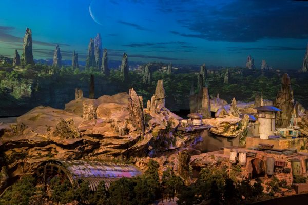 maquete star wars land 6