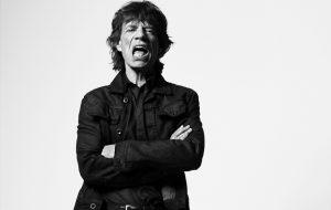 Mick Jagger lança duas músicas inéditas e remix com Alok; vem ouvir aqui!