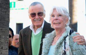 Joan Lee, esposa de Stan Lee, morre aos 93 anos