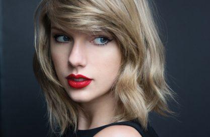 Taylor vence processo